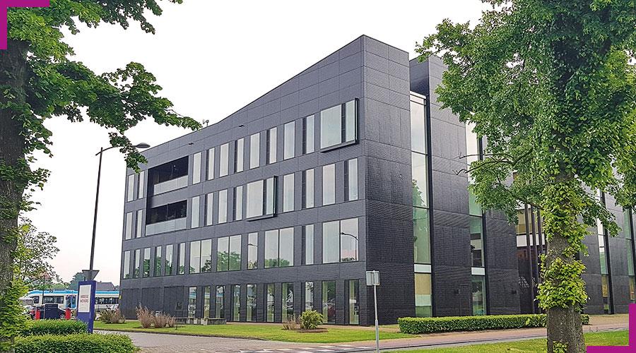 acrylic-one-Tax-Office-panele-fasadowe