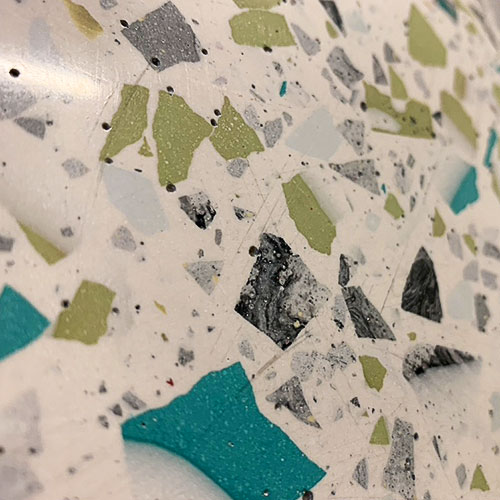 a1-acrylic-one-panel-fasadowy-terazzo-niebieski-zolty-detal_500x500px